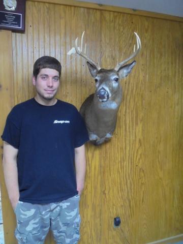 Brandon Walsh   WT  130lbs   9 pts   Vermont
