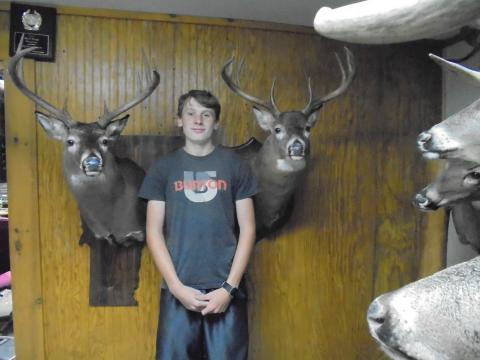Wyatt  Cameron  WT x 2--  Deer on VT plaque-190lbs  9 Pts  VT | Deer #2  199lb   9 pts  Maine